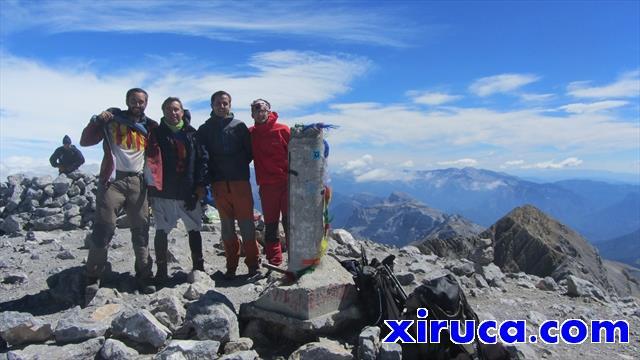 El grupo en la cima del Monte Perdido