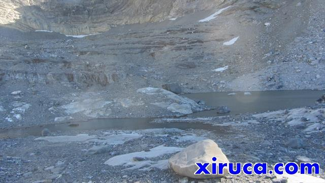 Lago a los Pies del Pico de Añisclo