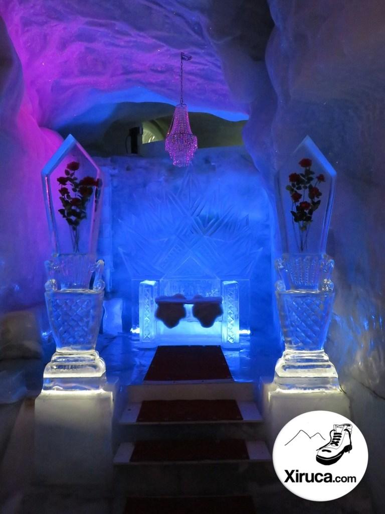 Trono en el Pavillon de glace Mittelallalin