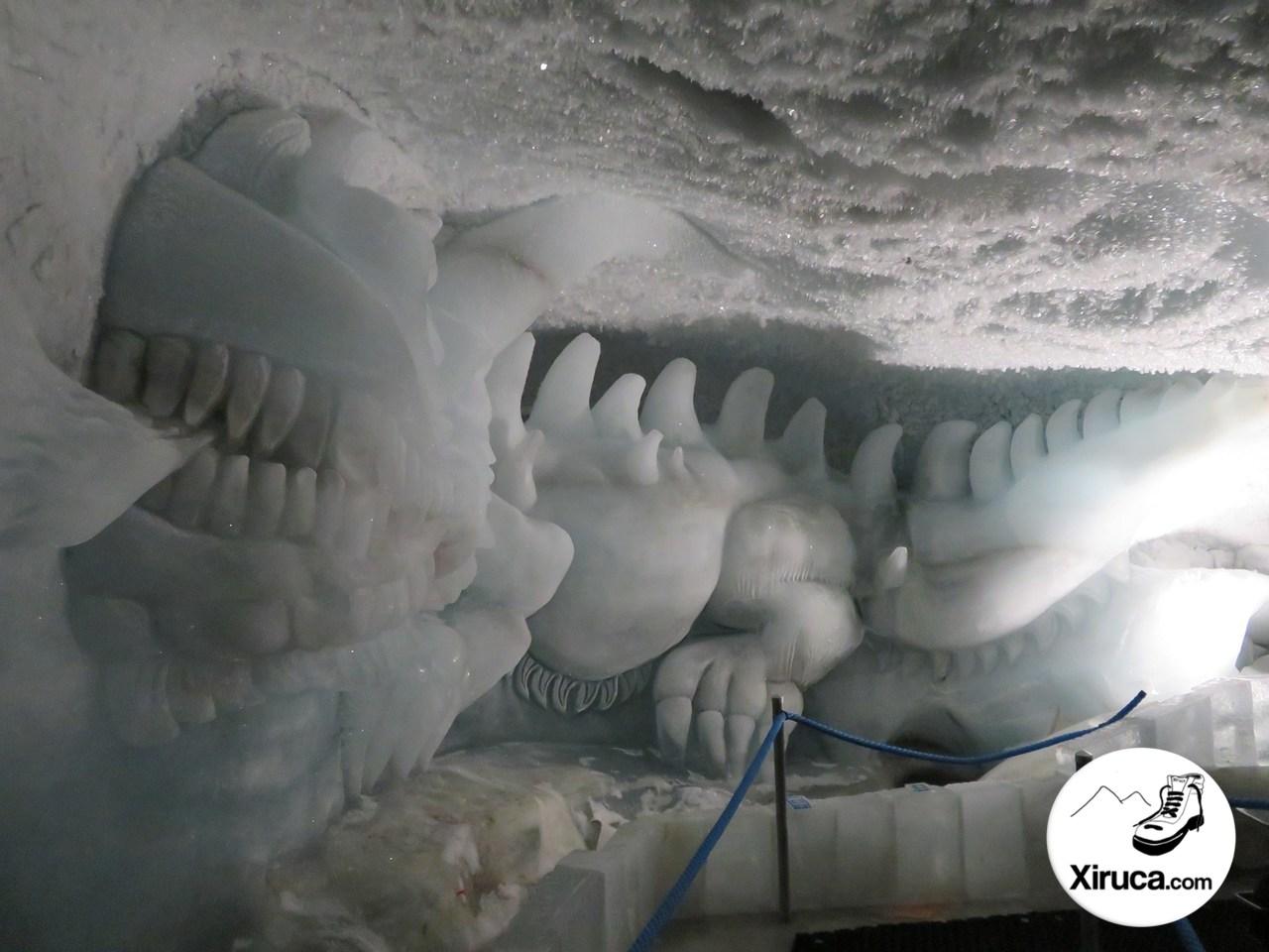 Dragón en el Pavillon de glace Mittelallalin