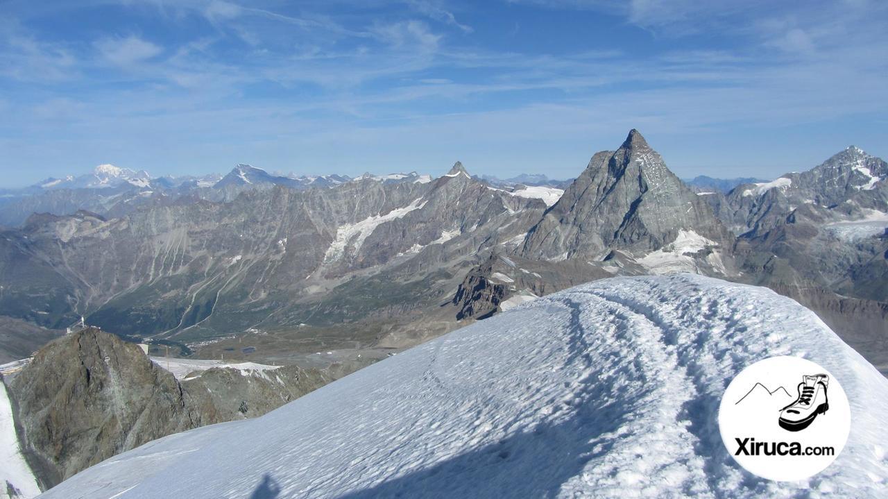Mont Blanc y Cervino desde la cima del Breithorn