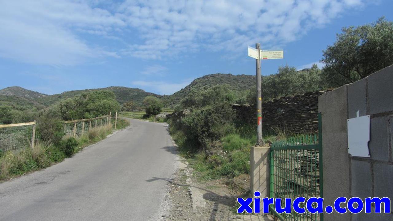 Dejamos la Carretera del Cap de Creus