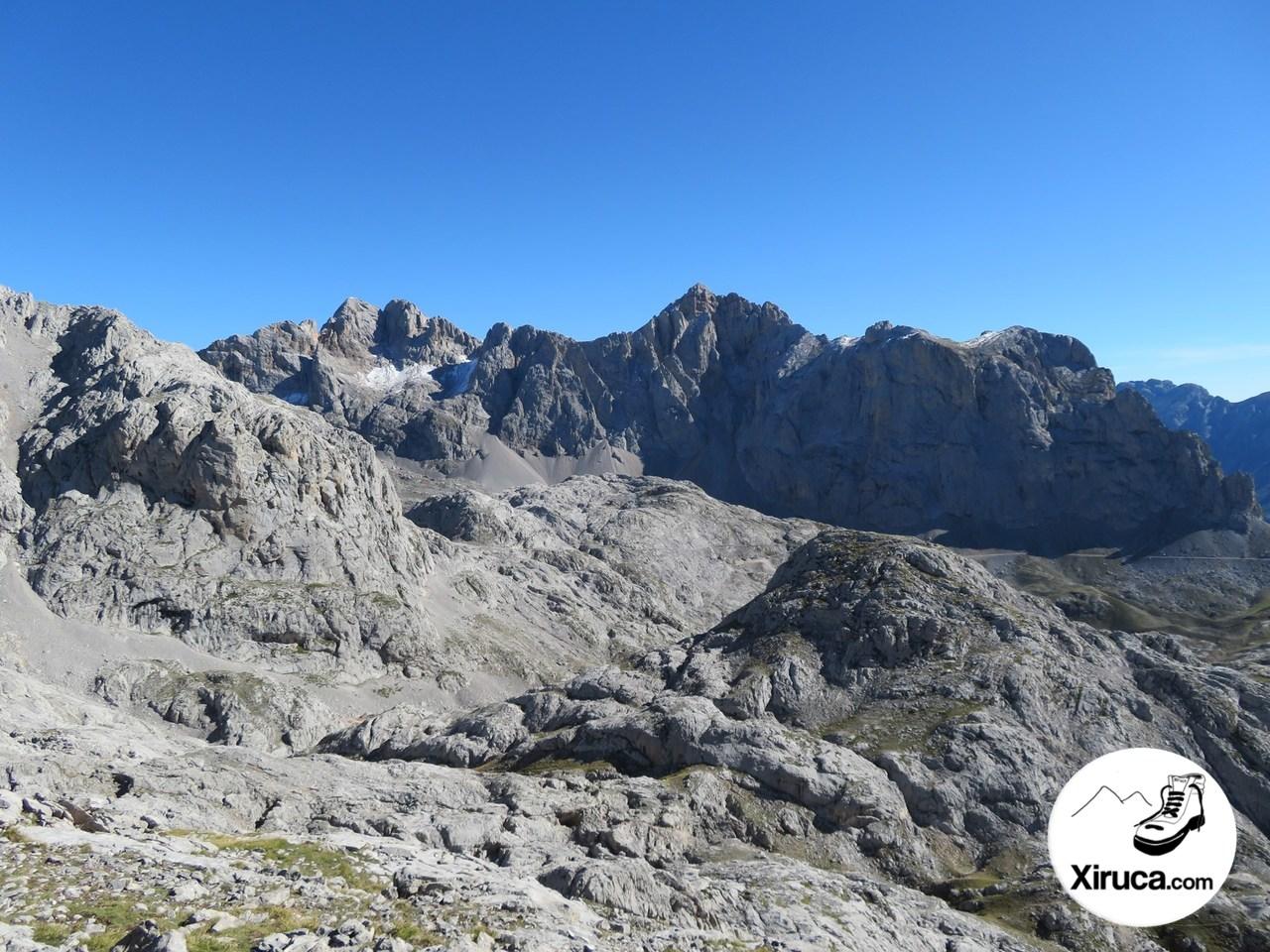 Picos de Santa Ana y Peña Vieja desde Colladina de Las Nieves