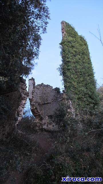 Ruinas en la cima del Croscat