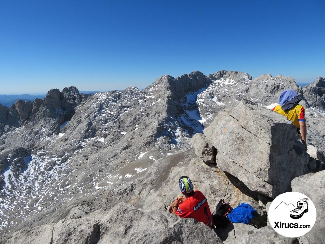 Torre Blanca y Torre del Llambrión desde Pico Tesorero