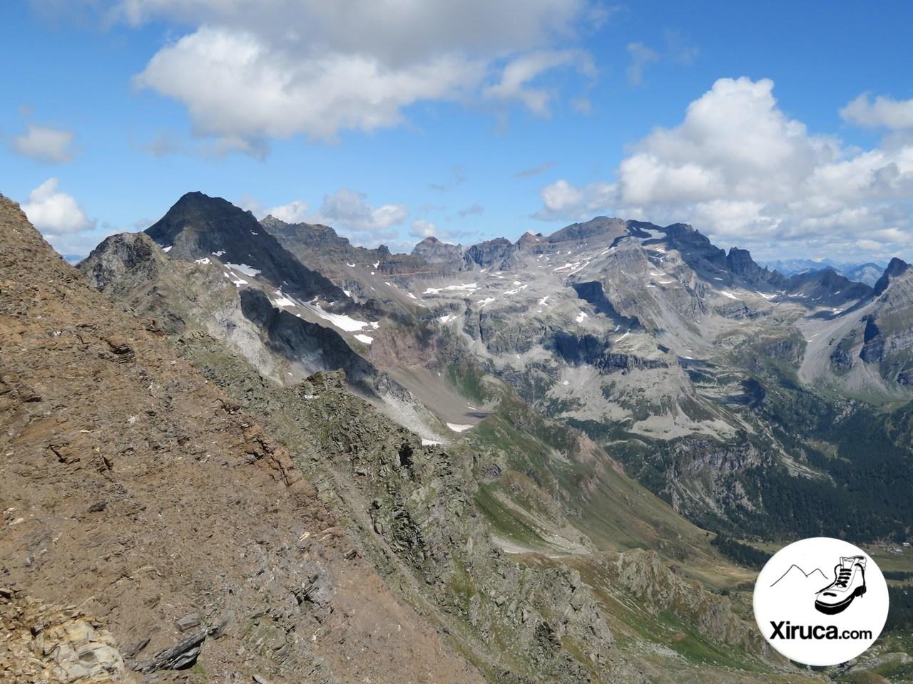 Punta del Rebbio, Helsenhorn y otros desde ascenso al Wasenhorn