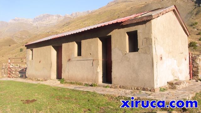 Cabaña-refugio de Otal