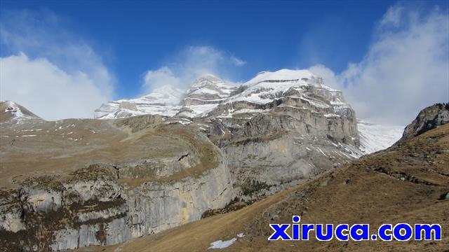 Monte Perdido, Añisclo y Punta de las Olas desde cerca de Cuello Viceto