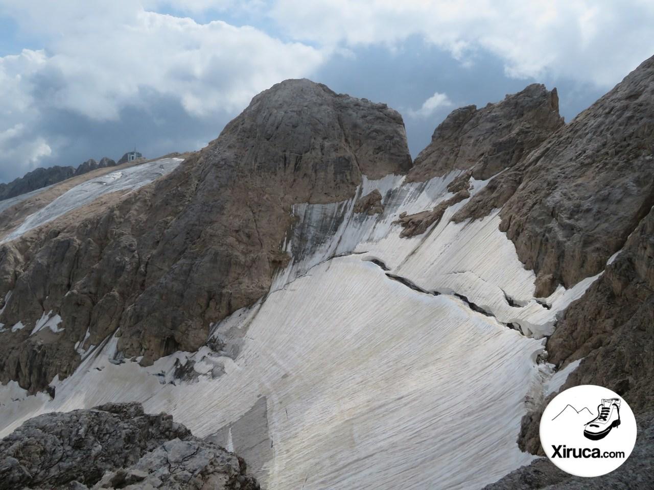 Punta Rocca y parte superior del Glaciar de la Marmolada