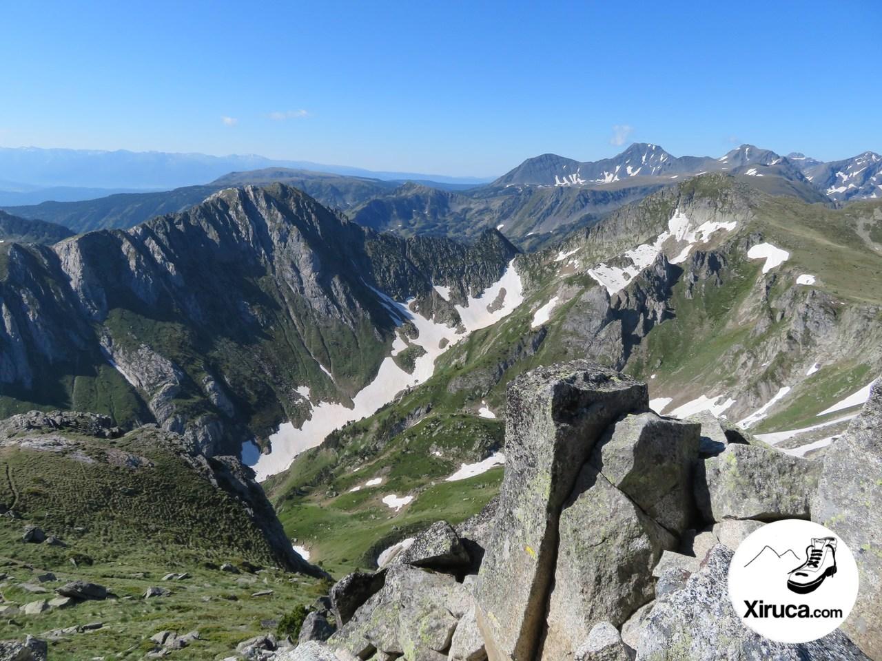 Crête de Laurenti, Puig Peric y Pic de Baxouillade desde el Roc Blanc