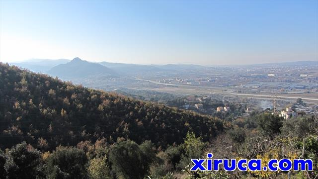 Turó de Montcada desde Sant Pere de Reixac