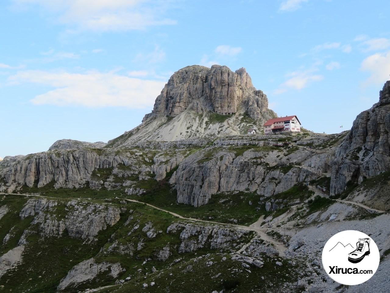Sasso di Sesto, con sus búnquers y Rifugio Locatelli