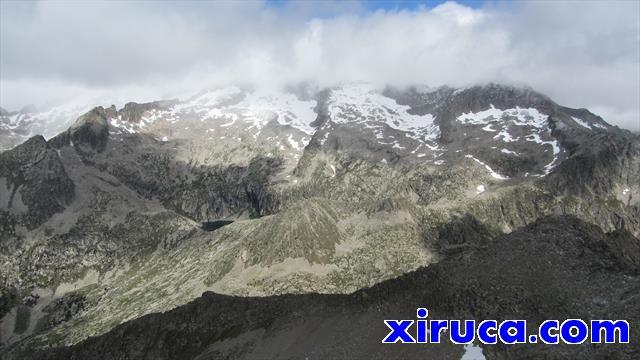 Vista del macizo de la Maladeta desde el Vallibierna