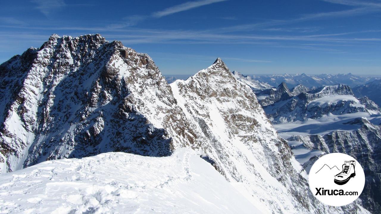 Dufourspitze y Nordend desde Zumsteispitze