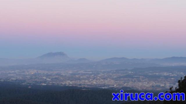 Primeras luces sobre Montserrat