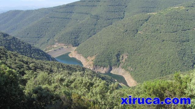 Panta de Vallfornes desde camino de Can Cuch
