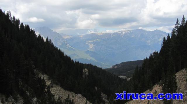 Pedraforca y Serra del Moixeró desde el Barranc de les Llobateres