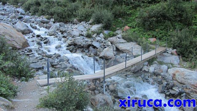 Puente sobre el Nant d'Armancette