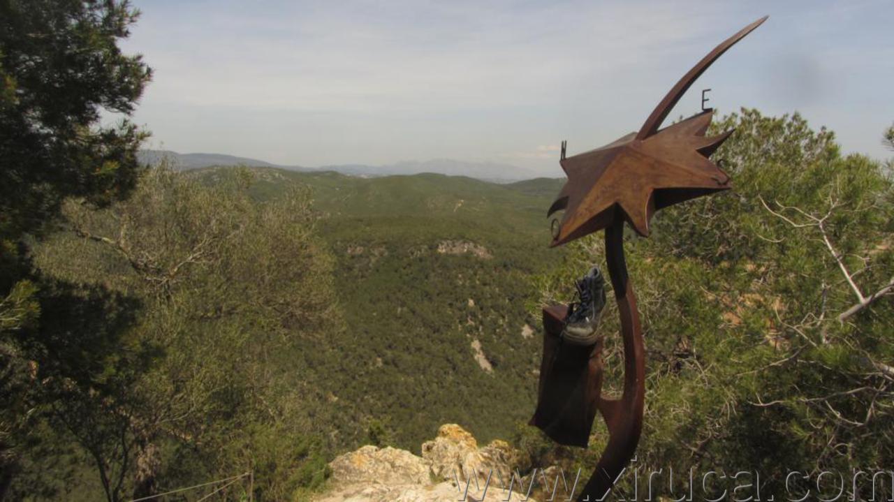 Xiruca en la rosa de los vientos de El Castellot
