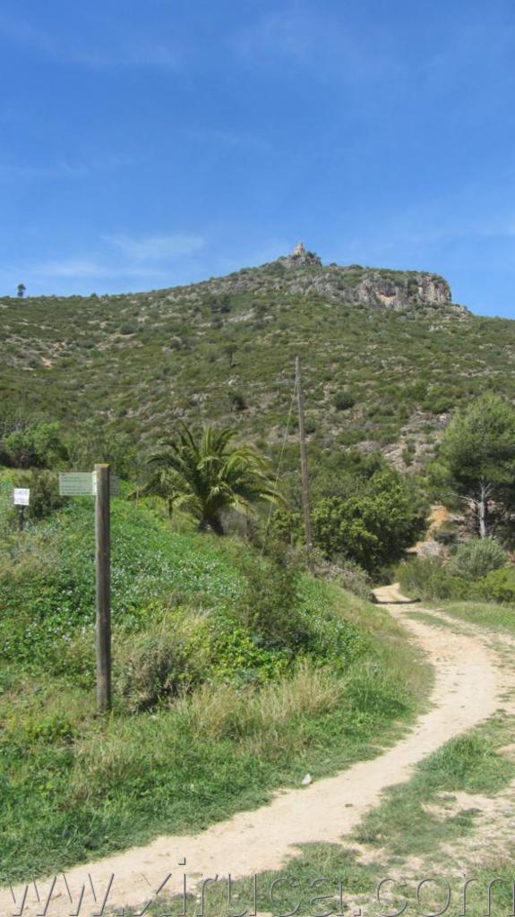El Castellot desde la ermita de Sant Sadurní
